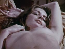 The Love Garden (1971) screenshot 3