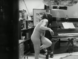 Valerie (1969) screenshot 4