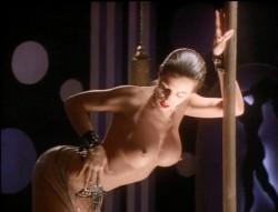 Stripteaser (1995) screenshot 3