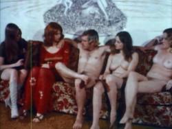 Pretty Wet Lips (1974) screenshot 5