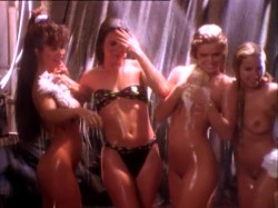 The Bikini Carwash Company (1992) screenshot 4