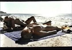 Centrespread (1981) screenshot 3