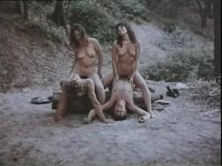 Convicts Women (1973) screenshot 2