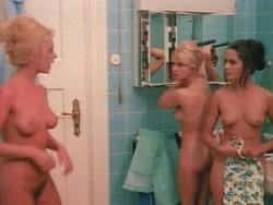 Die liebestollen Apothekerstochter (Better Quality) (1972) screenshot 2