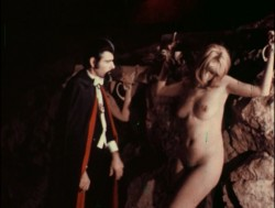 Dracula: The Dirty Old Man (Better Quality) (1969) screenshot 4