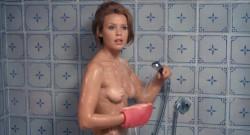 La prima notte del Dottor Danieli, industriale, col complesso del... giocattolo (1970) screenshot 1