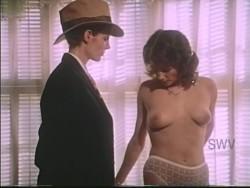 The All-American Woman (1976) screenshot 5