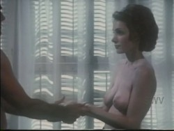 The All-American Woman (1976) screenshot 6