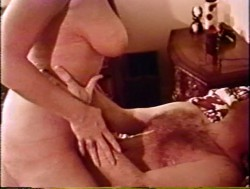 Oddly Coupled (1970) screenshot 4