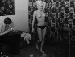 Two Girls for a Madman (1968) screenshot 3