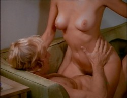 Drop Out Wife (1972) screenshot 4