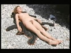 Urlaubsreport - Woruber Reiseleiter nicht sprechen durfen (1971) screenshot 3