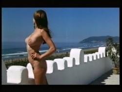 Urlaubsreport - Woruber Reiseleiter nicht sprechen durfen (1971) screenshot 6