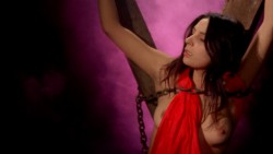 The Reincarnation of Isabel (1973) screenshot 6