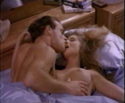 Tre pesci, una gatta nel letto che scotta (1990) screenshot 5