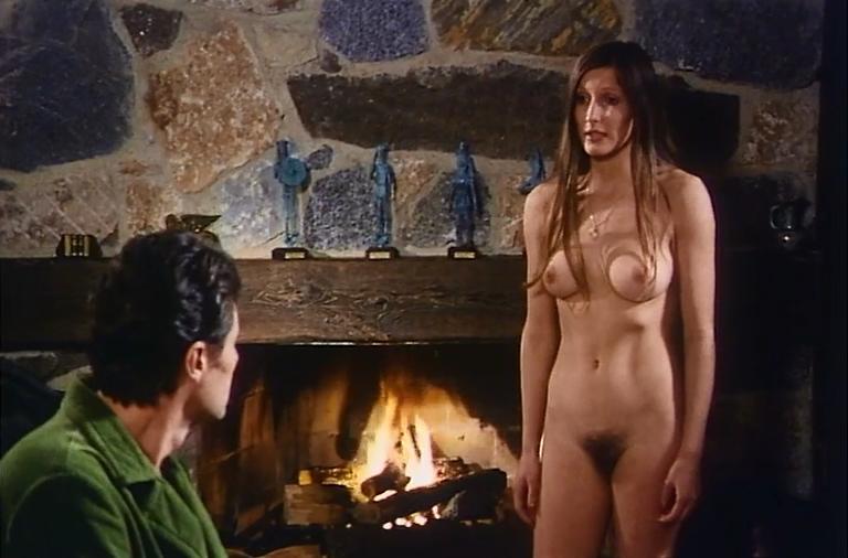 эпизод онлайн с голыми актрисами