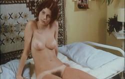 Schulmadchen-Report 3: Was Eltern nicht mal ahnen (Better Quality) (1972) screenshot 5