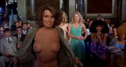 The Happy Hooker Goes to Washington (1977) screenshot 6