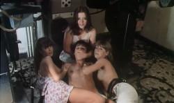 Girls - die Kleinen Aufreisserinnen (1980) screenshot 6