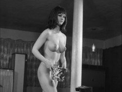 Kitten in a Cage (1968) screenshot 5