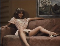 Beneath the Valley of the Ultra-Vixens (1979) screenshot 2