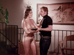 Escape To Passion (1970) screenshot 5