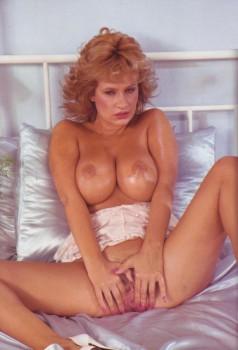 Girls 25 (Magazine) screenshot 4