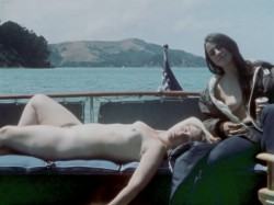 Three In A Towel (1969) screenshot 3