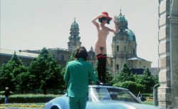 Madchen, die nach Munchen kommen (Better Quality) (1972) screenshot 6