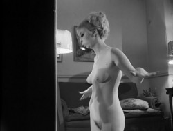 A Thousand Pleasures (1968) screenshot 2