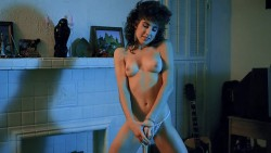 Hollywood chainsaw hookers (BDRip) (1988) screenshot 5
