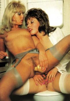 Lesbian Love 26 (Magazine) screenshot 1