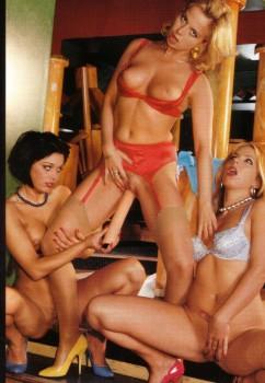 Lesbian Love 51 (Magazine) screenshot 2