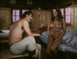 Liebesgrusse aus der Lederhose 6: Eine Mutter namens Waldemar (1982) screenshot 1