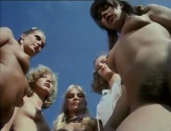 Liebesgrusse aus der Lederhose 6: Eine Mutter namens Waldemar (1982) screenshot 3