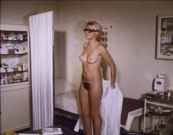Liebesgrusse aus der Lederhos'n (1973) screenshot 1