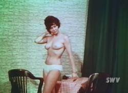 1000 Shapes of a Female (1963) screenshot 6