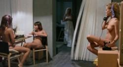 Travolto dagli affetti familiari (Better Quality) (1978) screenshot 4