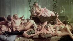 Vizi privati, pubbliche virtu (1976) screenshot 5