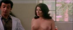La dottoressa del distretto militare (1976) screenshot 4