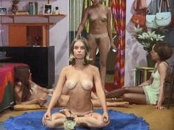 The Stewardesses (BDRip) (1969) screenshot 1