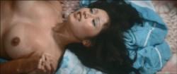 Sukeban burusu: Mesubachi no gyakushu (1971) screenshot 4