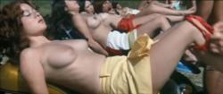 Sukeban burusu: Mesubachi no gyakushu (1971) screenshot 5